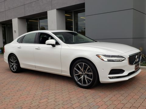 Pre-Owned 2017 Volvo S90 T5 Momentum